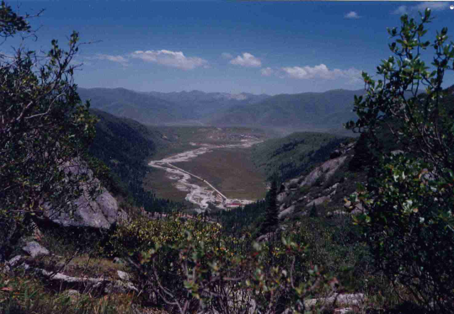dzogchen_valley_view1